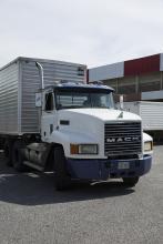 משאית להובלת תוצרת חקלאית
